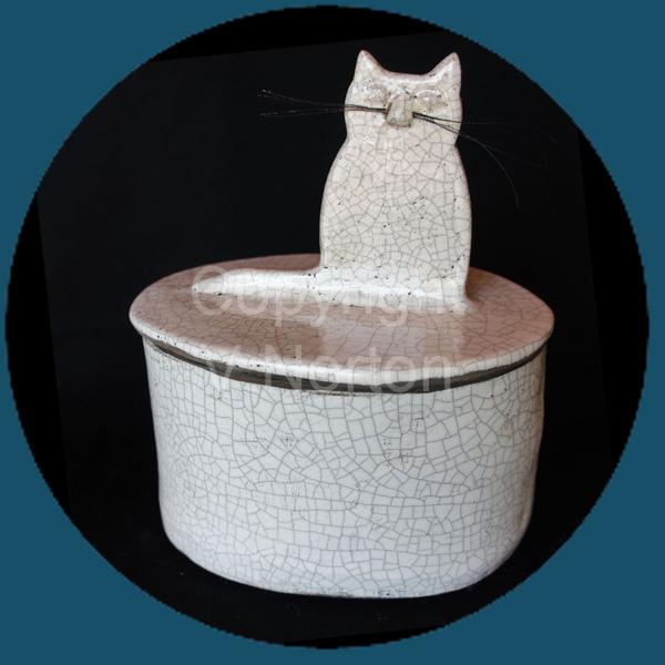 Kitty Box White